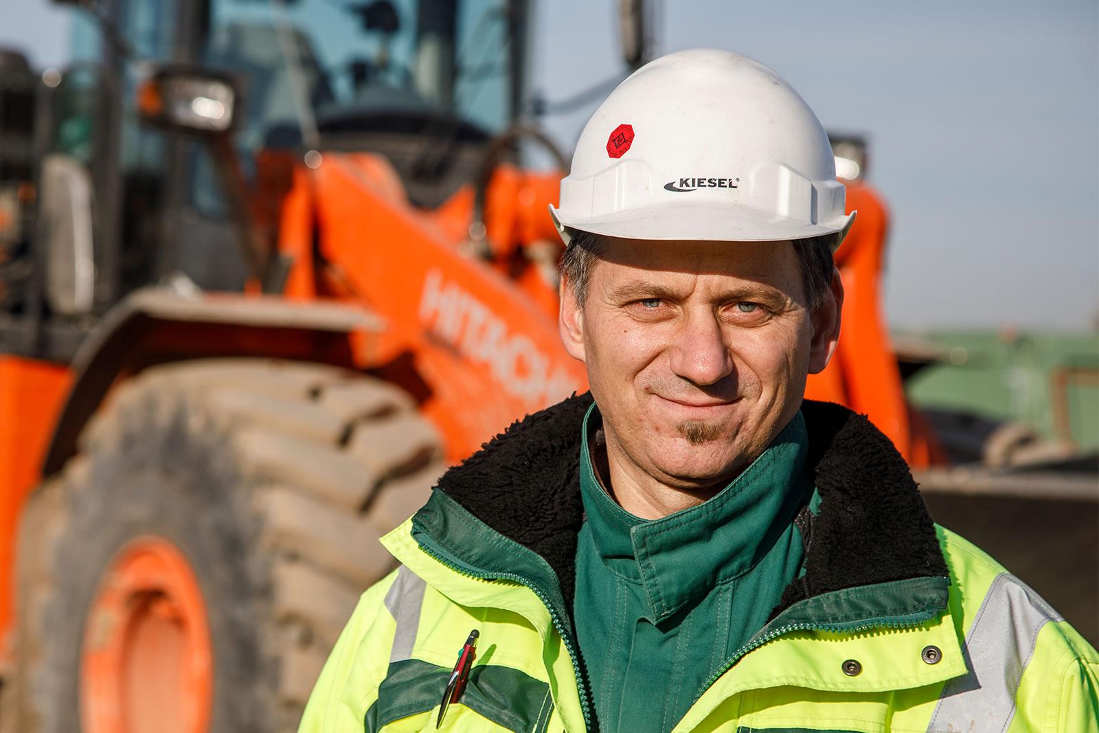 Hitachi ZW310-6 wheel loader Operator Milanko Milivojević