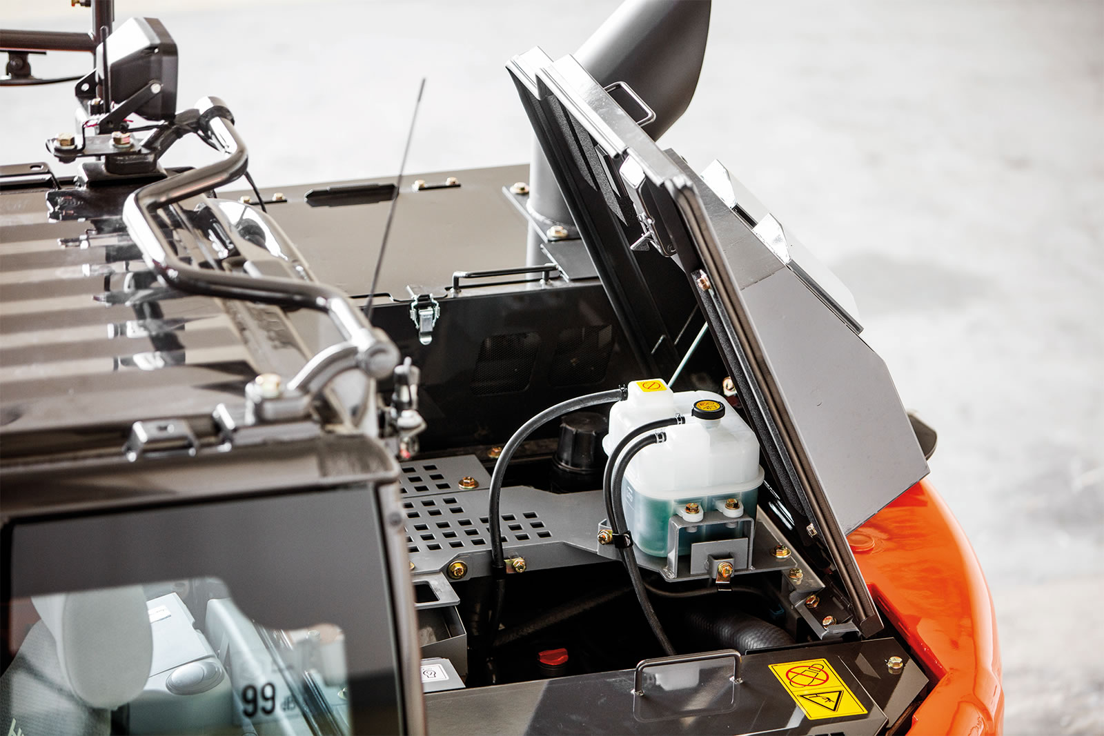 Hitachi construction machinery has an after-treatment device