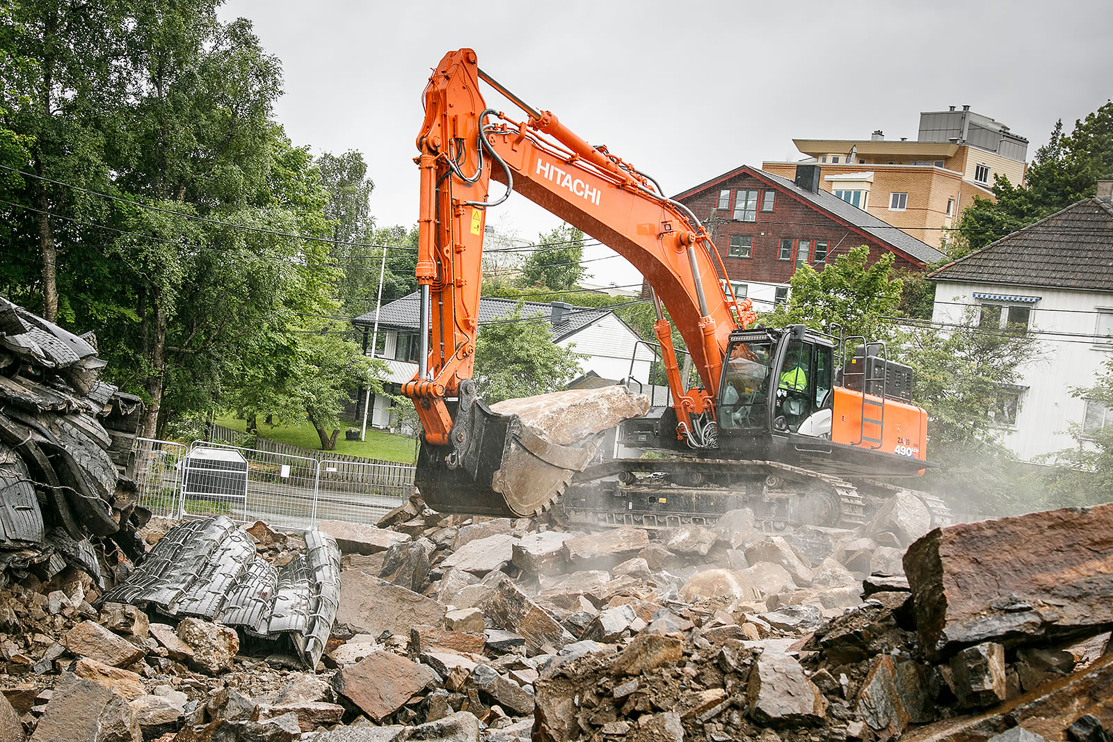 Hitachi ZX490LCH-6 excavator ideal for the job