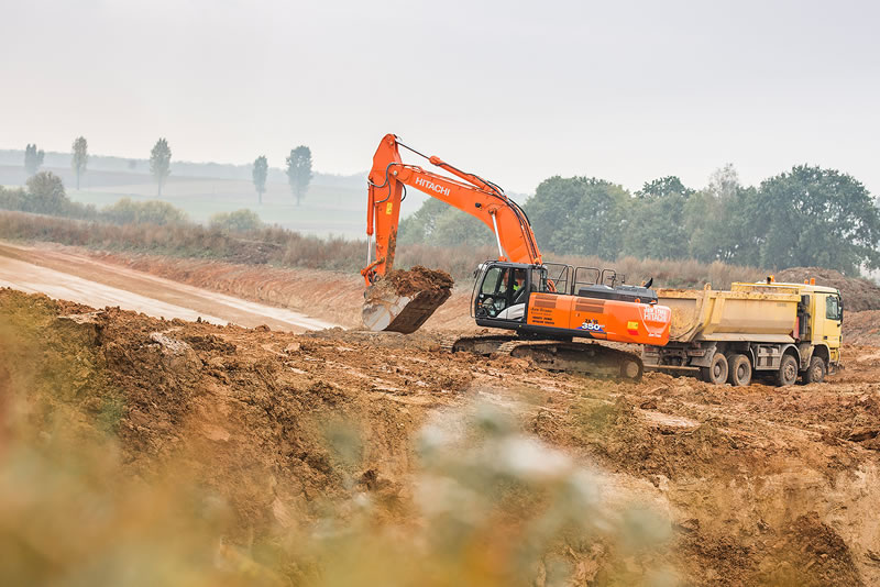 Hitachi ZX350LC-6 excavator working for JawTrans