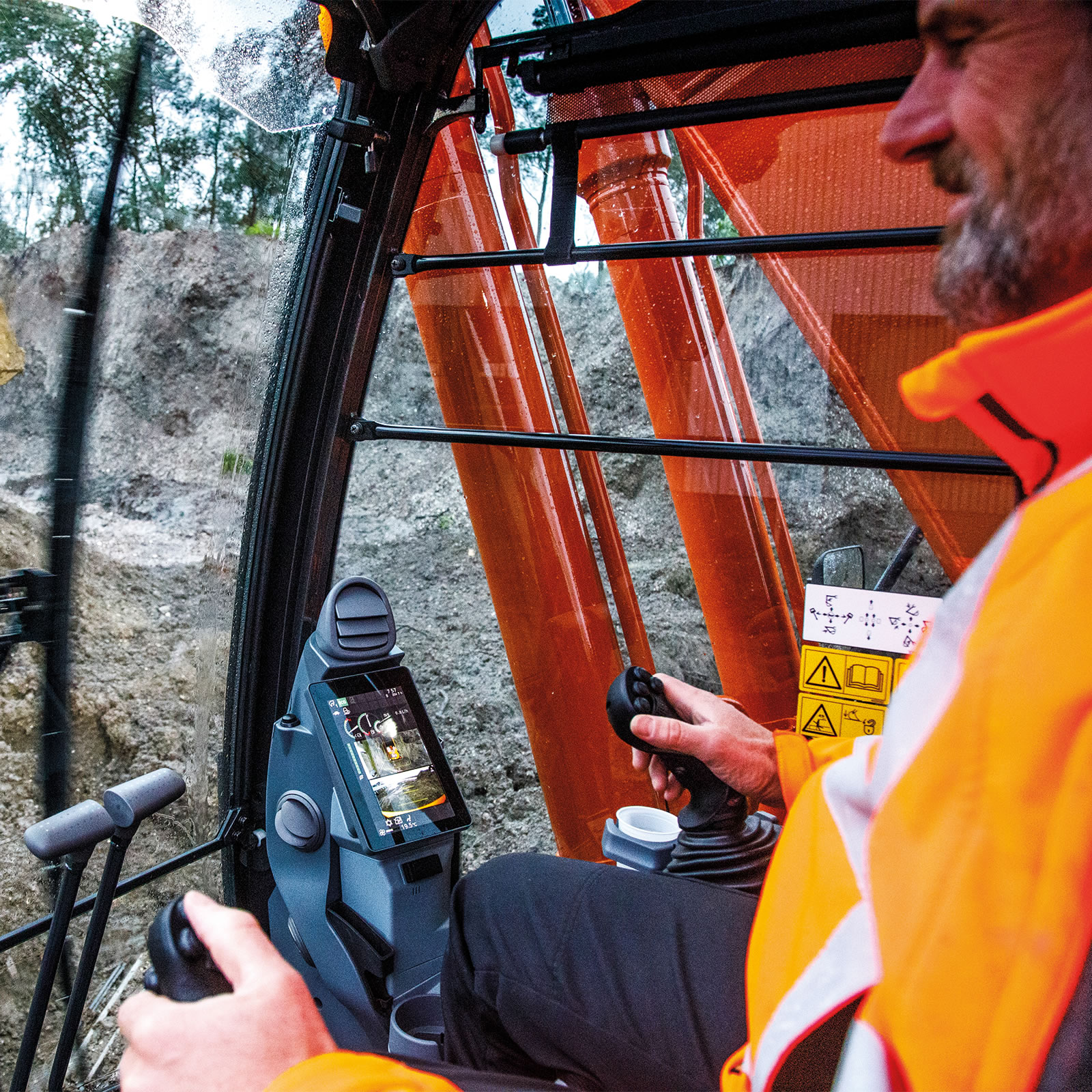 Increased safety with the Hitachi Zaxis-7 range