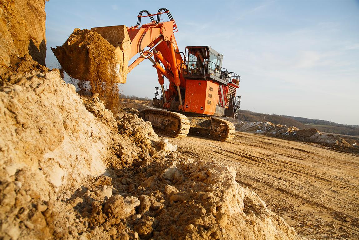 Hitachi EX1900-6 ultra-large excavator in the Romont quarry