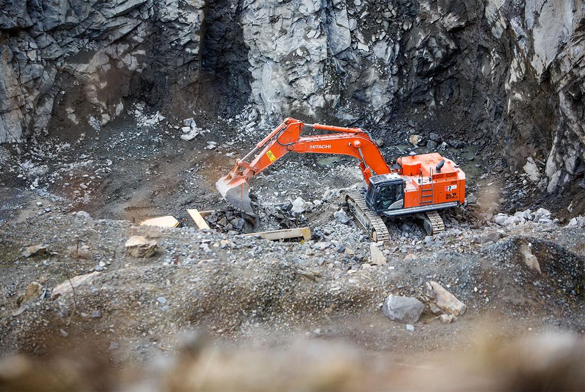 Hitachi quarrying solutions