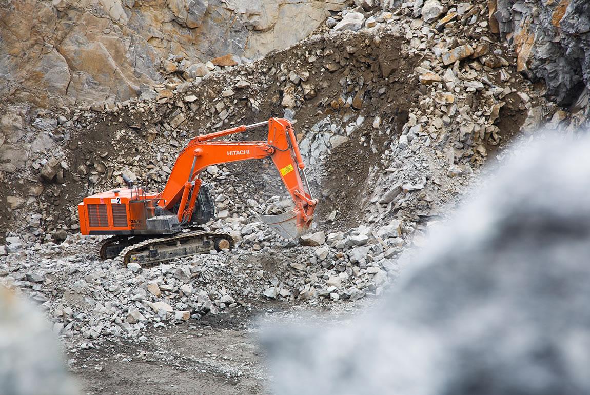 Hitachi ZX670LC-5 in the DSS Pilawa Górna quarry