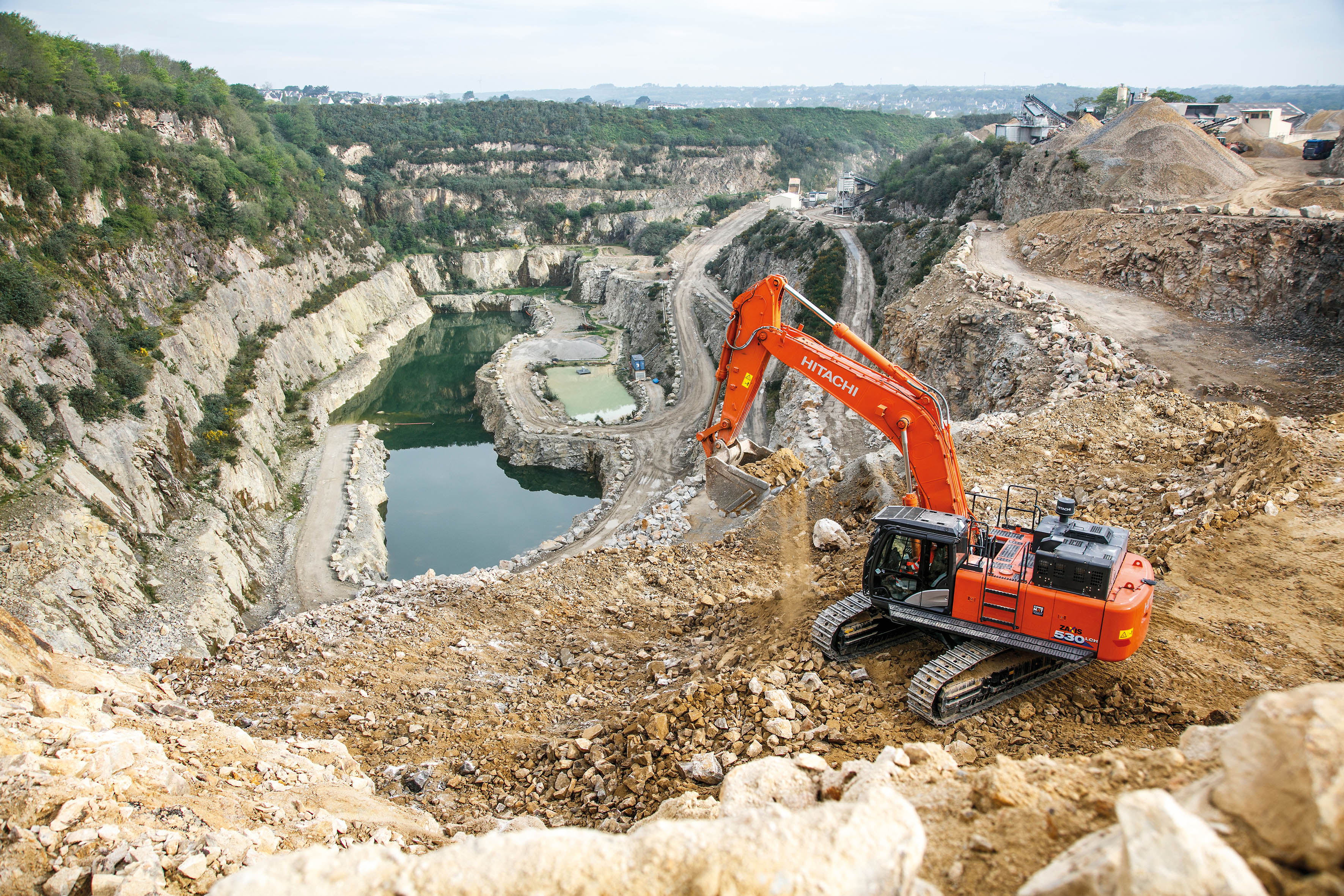 Guena Demands Reliability From New Zx530lch 6 Hitachi