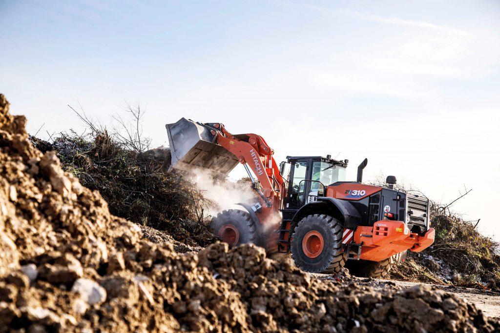 Hitachi_ZX490LC-6_excavator_01
