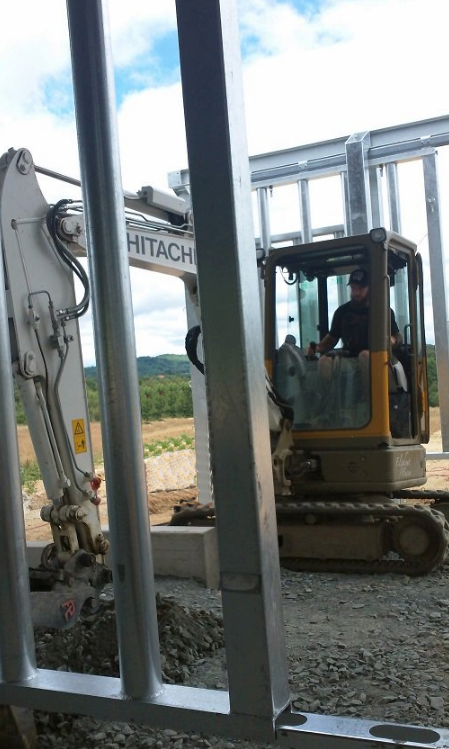 Elephant - Hitachi Construction Machinery