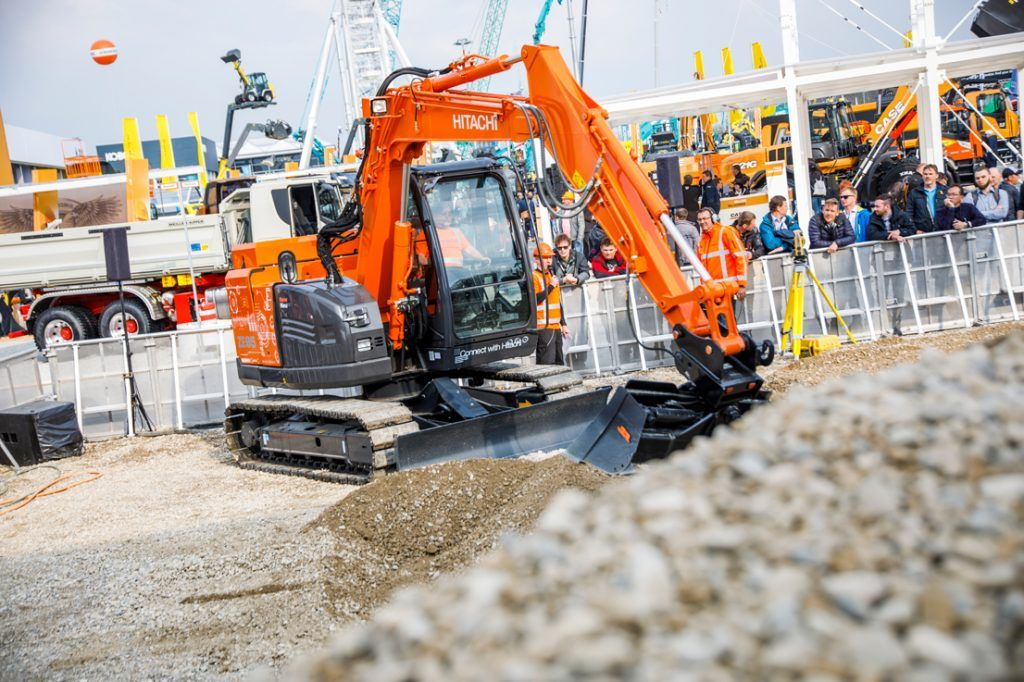 Hitachi_ZE85_electric-excavator_feat